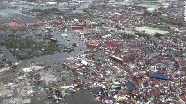 航拍飓风过后的巴哈马:像个垃圾场