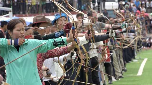 青海射箭之乡千人比赛,女职工加入