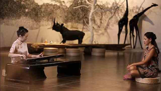 最美古琴师伴你度中秋