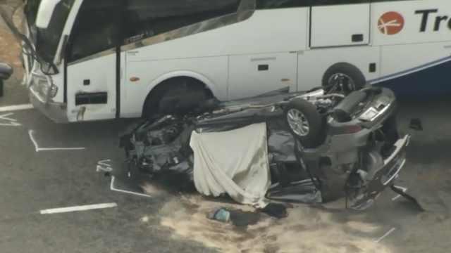 中国游客澳洲自驾游遇车祸,2死1伤