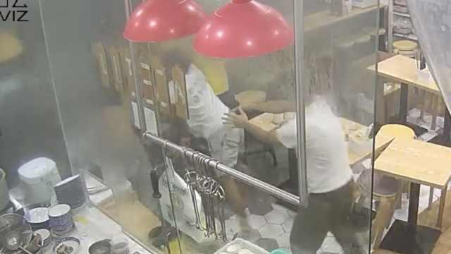 外卖员嫌出餐慢店内发飙,美团回应
