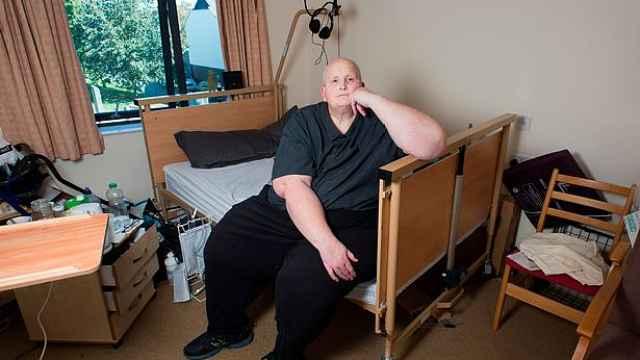 世界最胖男子术后反弹,求政府帮助