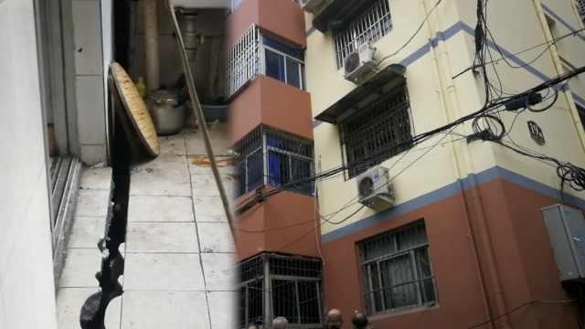 居民楼墙体多处开裂,最宽能塞拳头
