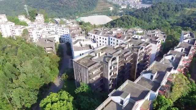 广州一楼盘22年未交房,业主崩溃
