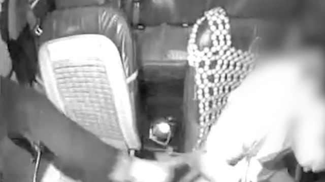 的哥深夜被乘客砸车打伤:疑似拒载