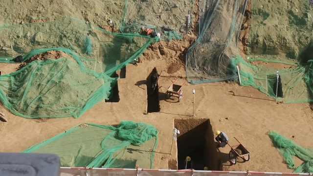 考古人员忙疯!西安在建小学现古墓