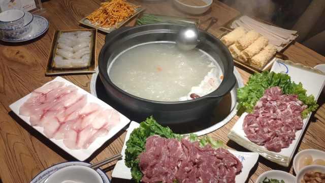 冬日兰州美食:用阉割后公羊肉涮锅