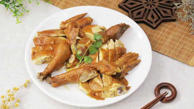 嫩滑多汁的家庭版豉油鸡!