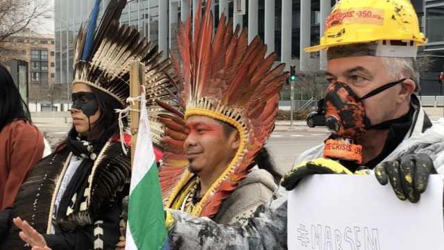 巴西原住民在气候大会抗议原油泄漏
