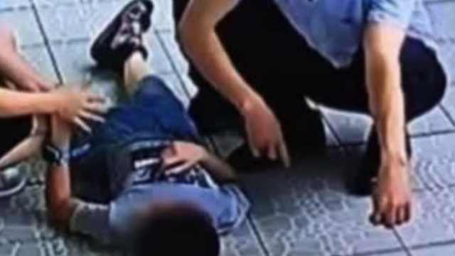 家长投诉儿子被老师殴打,校方回应