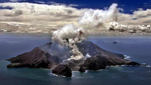 直播:新西蘭火山或再噴發,救援中