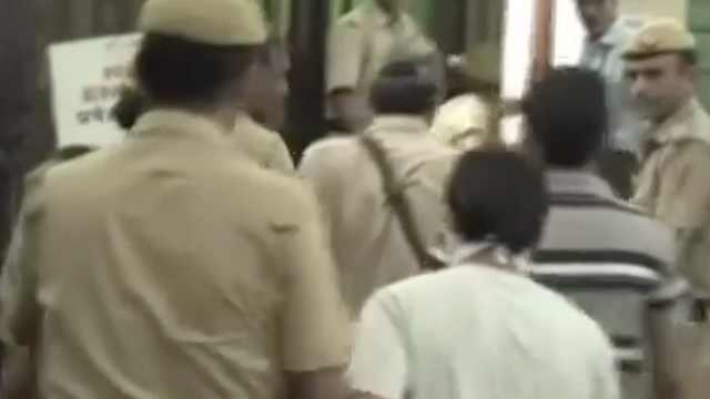 印度公交轮奸案:4罪犯将被处绞刑