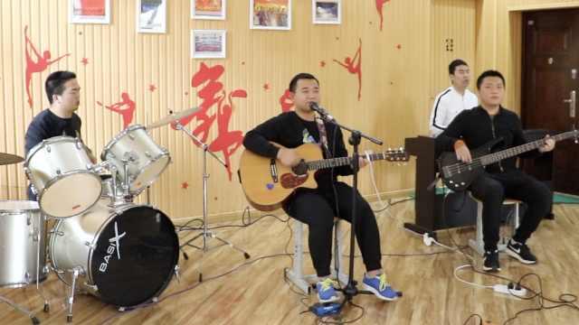 4盲人学生2天创作歌曲,为医护加油