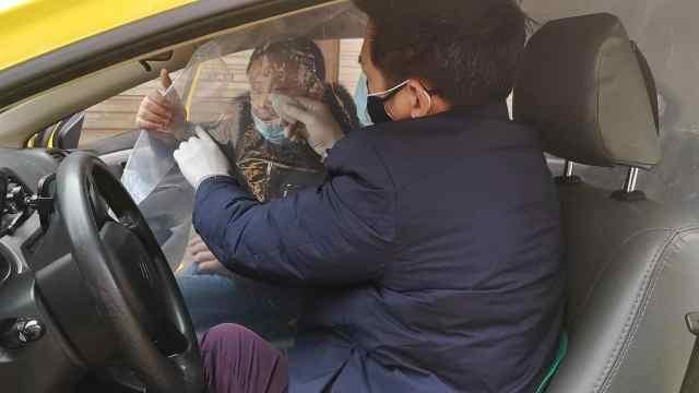 重庆将实名乘出租车,车内装隔离舱