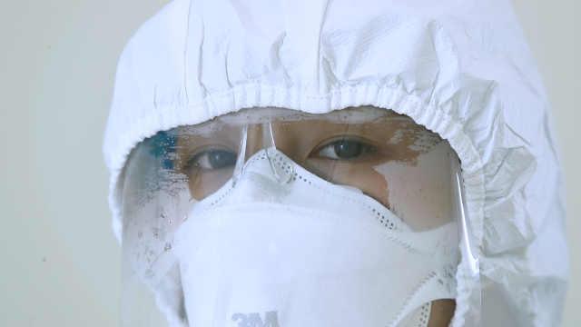 一线抗疫女战士脱下口罩最想做啥?