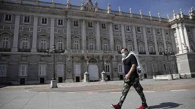 西班牙政府起草法令,将封锁全国,要求居民待家中