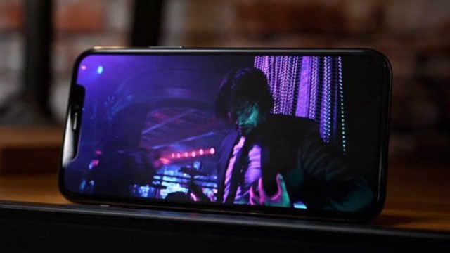 苹果或为iPhone 12寻找新OLED屏幕供应商