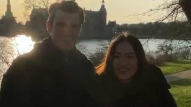 广西小姐姐带着丹麦男朋友飙山歌