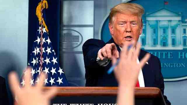 特朗普:不想坐在白宫戴着口罩和其他领导人打招呼