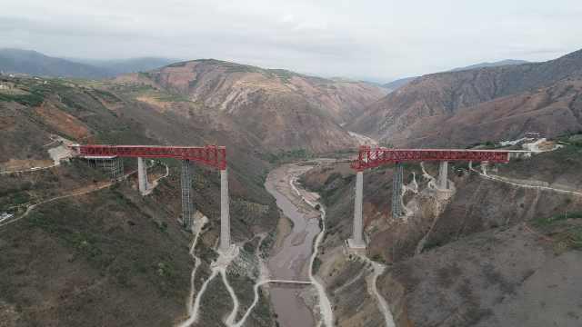 元江双线特大桥顺利跨越154米世界最高墩:主跨架设正式启动