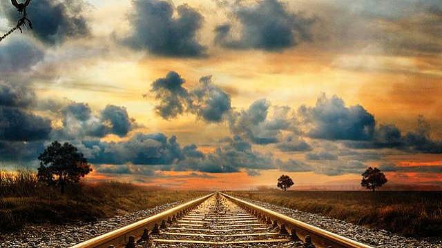连续两年超40亿吨!AI数看中国铁路货物运输总量十年变化