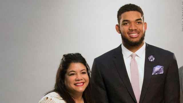 因新冠肺炎引发并发症,NBA球星唐斯母亲不幸逝世