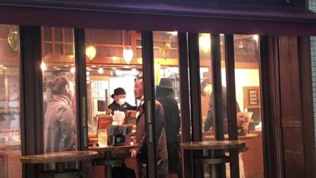 记者亲历东京紧急状态:餐馆营业到晚上,远程办公建议被忽视