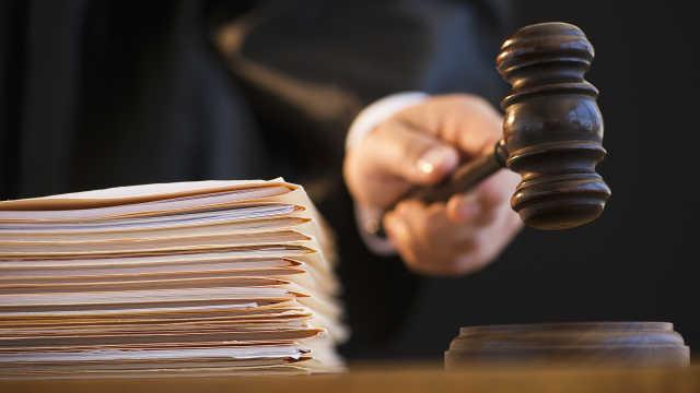 美国药店员工要求远程办公被解雇,已提起诉讼