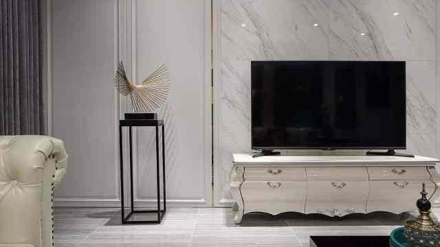 电视背景墙是实用还是好看重要?听完老师傅指点,不用再纠结