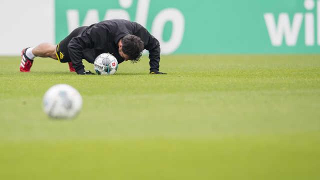 德甲德乙10名球员确诊新冠,何时复赛还需等待