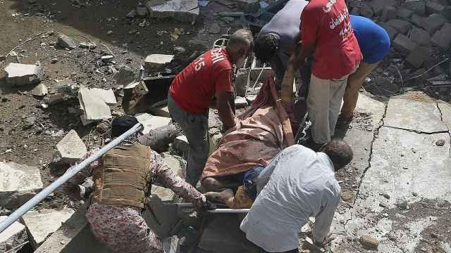 巴基斯坦坠机至少两人幸存,坠毁过程画面和机长求救录音曝光