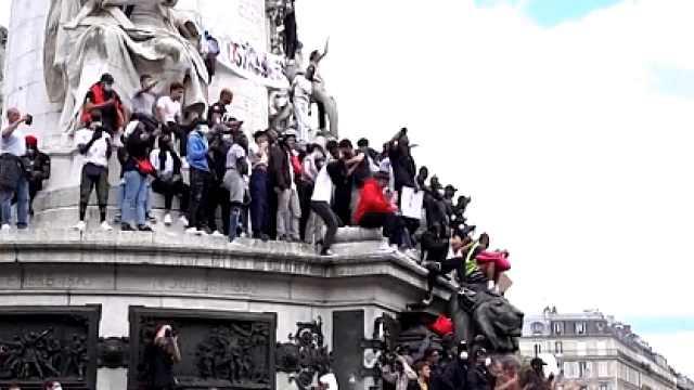 警方暴力引共鸣,法国抗议升级为大规模冲突,