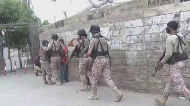 巴基斯坦证券交易所遭袭:武装分子投手榴弹并扫射,至少5死