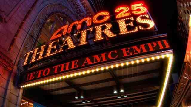 因新冠感染人数激增,全美最大影院宣布推迟复业
