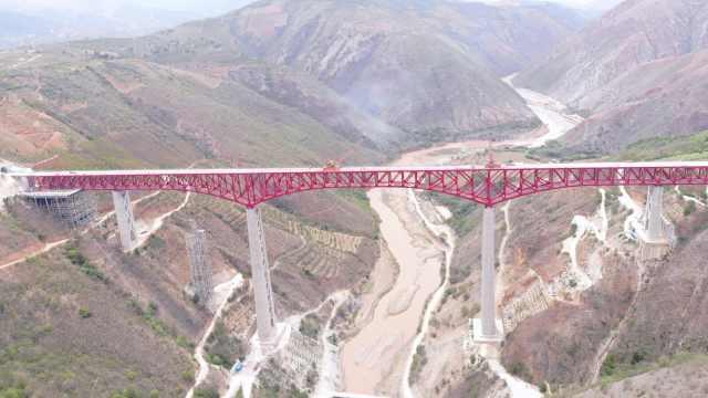 震撼航拍!元江跨红河双线特大桥合龙:破两项世界纪录