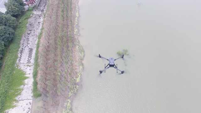 岳阳首次用无人机对洞庭湖开展防汛检查:十多