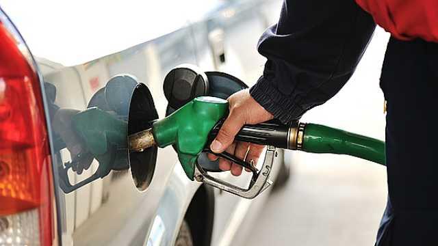 国内油价二连涨,加满一箱多花4元