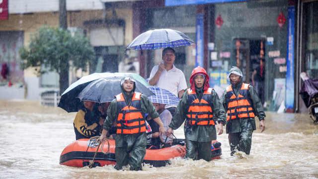 直播:汛情遭遇新一轮强降雨,直击江西湖北重庆抗洪一线