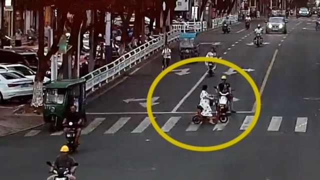 女子闯红灯被撞还要求对方道歉,民警霸气回怼