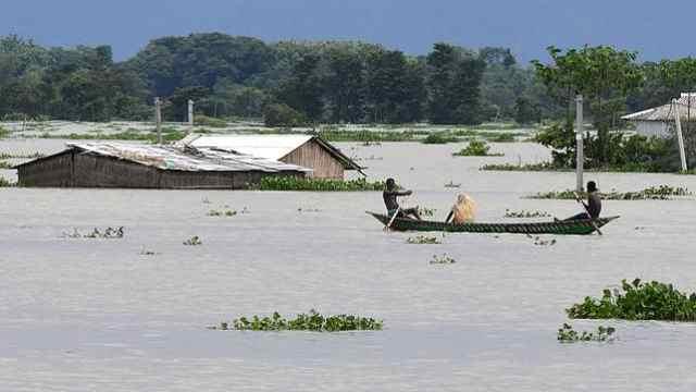 印度北部洪灾已致189人死亡,超400万人无家可归