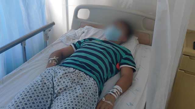 19岁贫困男孩高考后查出白血病:爸爸为省钱在医院打地铺陪伴治疗 全校师生捐款1.8万元