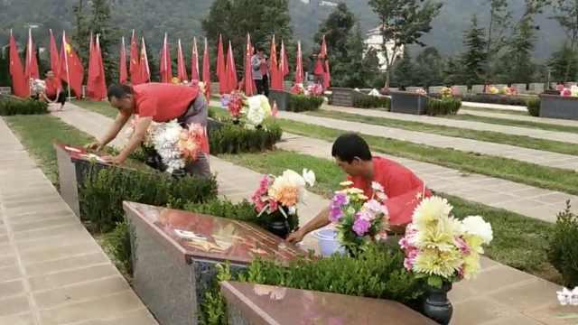 大叔守护忠魂园20年,擦拭烈士墓碑:鸟粪灰尘都不能留