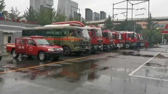 乐山凤洲岛千余人被困洪水,全川449名消防员前往增援