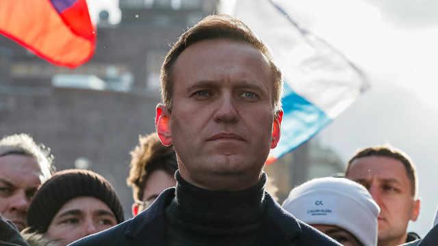 俄反对派领导人乘机途中昏迷送医,发言人称茶被下毒