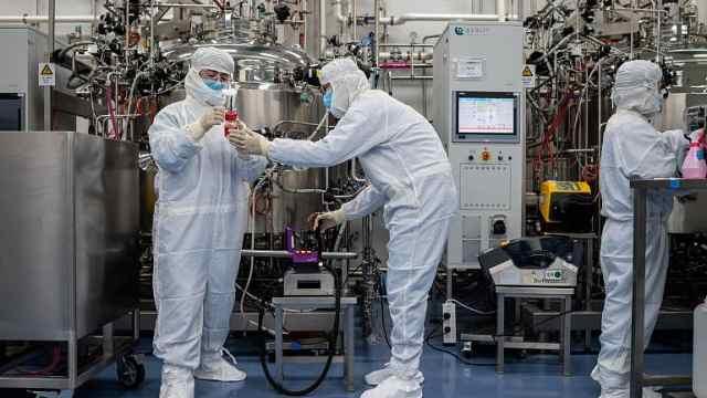 探访中国疫苗制造商:为生产疫苗半年内建崭新