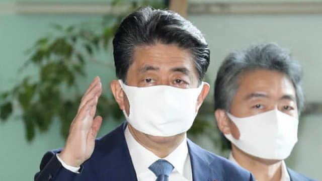 3分钟回顾安倍8年任期:日本在位最长首相,2020本是高光年