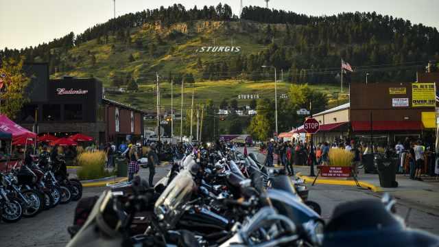 美国最大规模聚集可爱染:一场摩托车赛事致26万人感染新冠