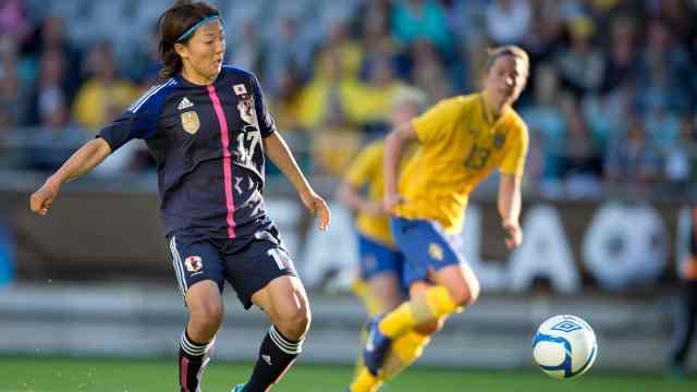 历史性一刻!日本女足运动员加盟男队,与哥哥搭档锋线