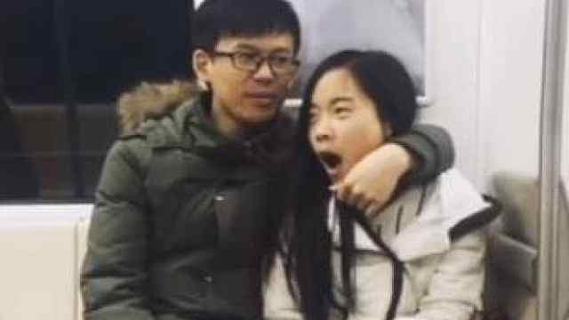 地铁情侣(上):3000个地铁里的感动瞬间