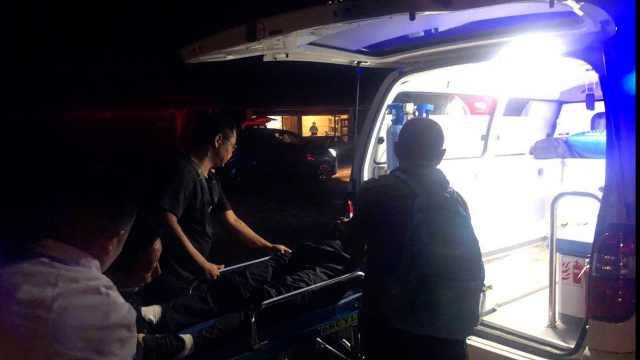 驴友景区走野路坠崖昏迷,46人搜救10小时还出动直升机